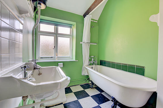 Photo of Pilgrims Cottage bathroom