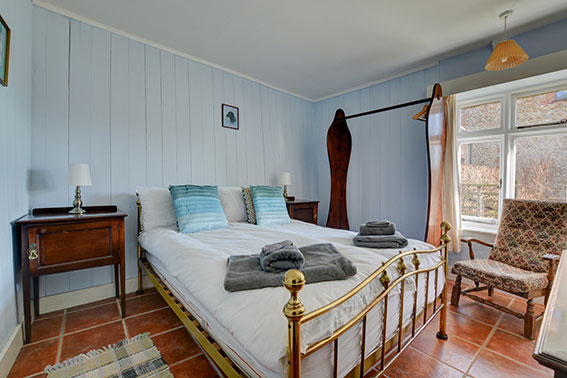 Photo of Pilgrims Cottage bedroom 1, view 1