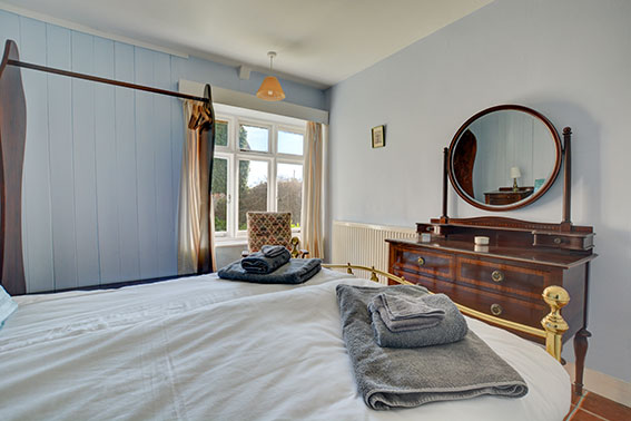 Photo of Pilgrims Cottage bedroom 1, view 2
