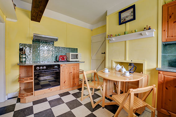 Photo of Pilgrims Cottage kitchen, view 2